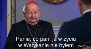 Don Stanislao Dziwisz żali się dziennikarzom, że zarzuty niszczą służbę pełnioną papieżowi i ogólnie mu smutno
