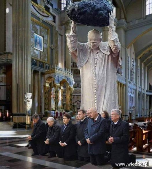 """""""Lotna Brygada Opozycji"""" wsadziła papieżowi kaczuchę do krwawego basenu"""